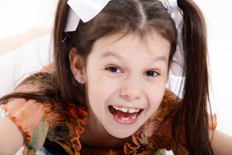 Retrato de la muchacha sonriente imágenes de archivo libres de regalías