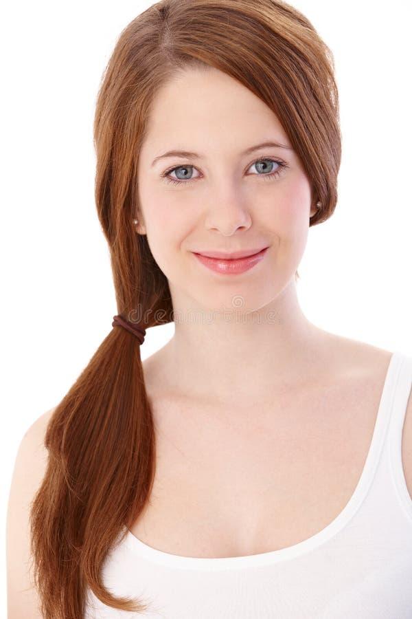 Retrato de la muchacha sonriente del gingerish imágenes de archivo libres de regalías