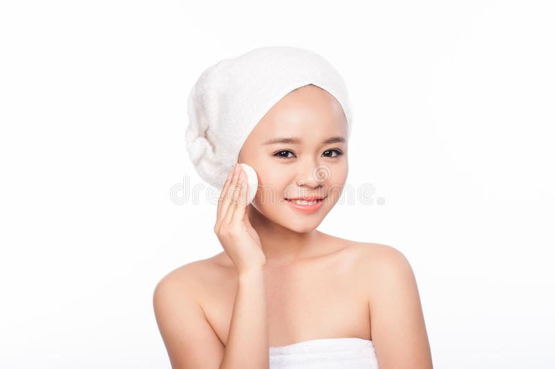 Retrato de la mujer asiática Cara hermosa de la limpieza de la mujer Tratamiento de la belleza Cara bonita de la muchacha Piel pe fotos de archivo