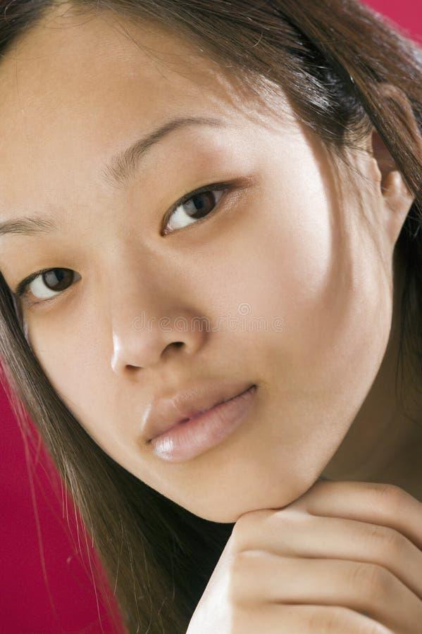 Retrato de la mujer asiática joven foto de archivo libre de regalías