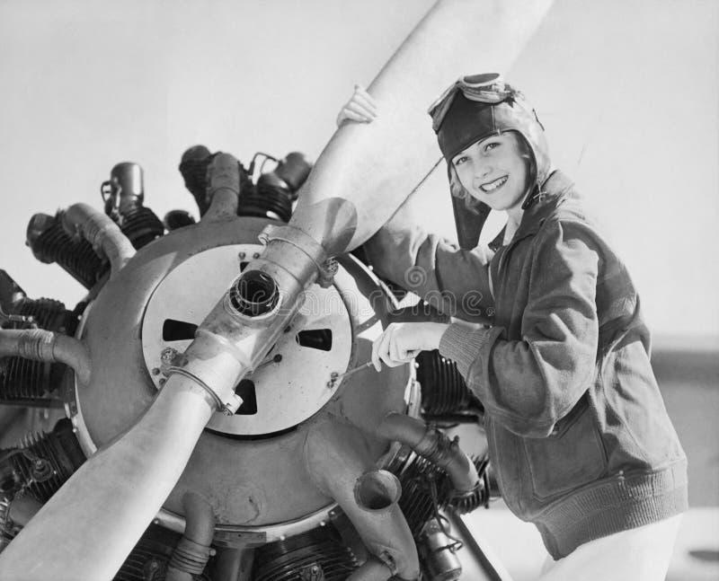 Retrato de la mujer con el propulsor plano (todas las personas representadas no son vivas más largo y ningún estado existe Garant fotografía de archivo libre de regalías