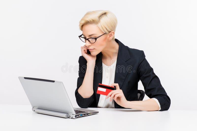 Retrato de la mujer de negocios foto de archivo