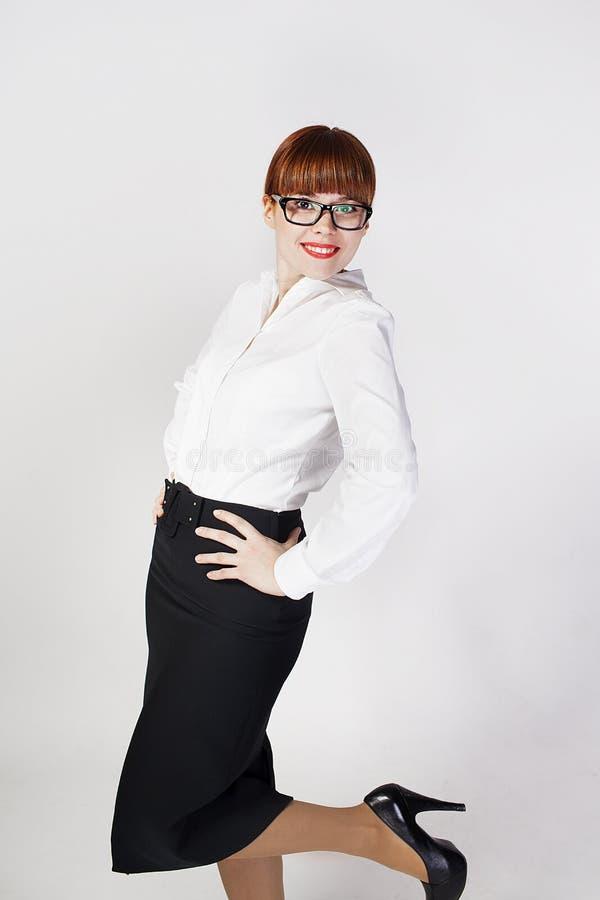Retrato de la mujer de negocios en el fondo blanco. imagen de archivo libre de regalías