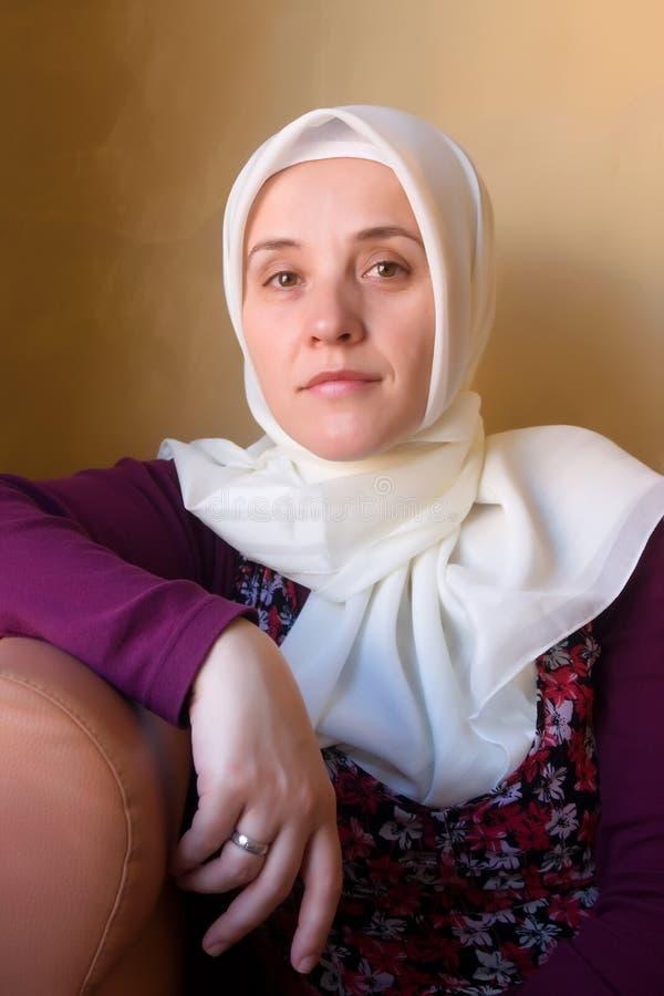 Retrato de la mujer del Islam fotografía de archivo libre de regalías