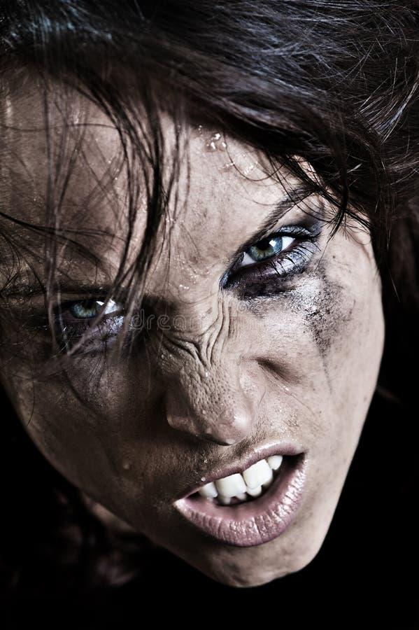 Retrato de la mujer enojada fotografía de archivo