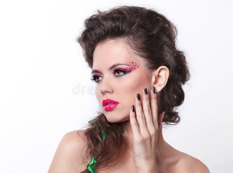 Retrato de la mujer hermosa atractiva con maquillaje imágenes de archivo libres de regalías