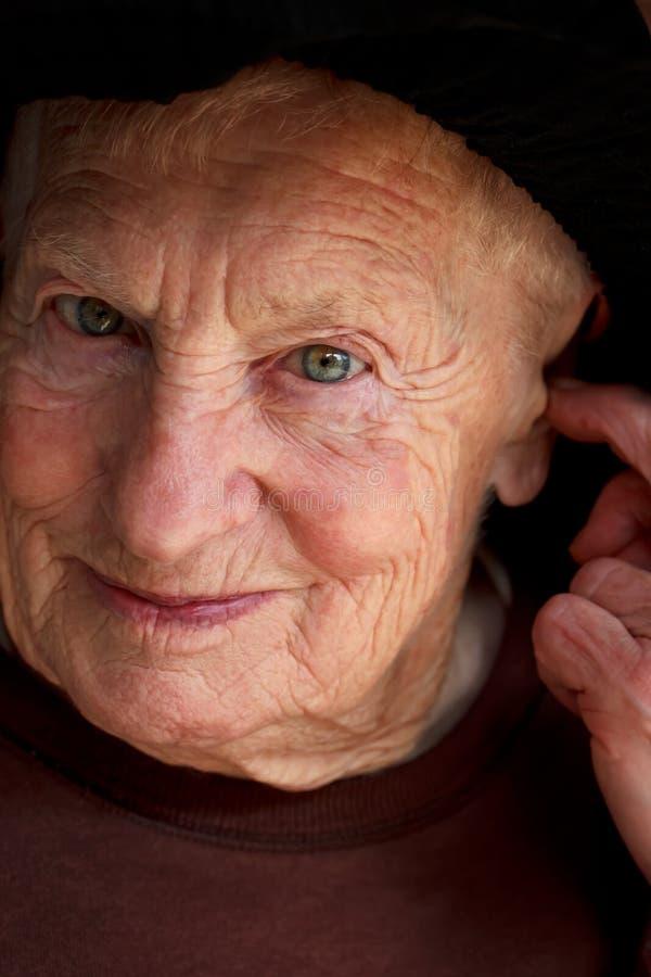 Retrato de la mujer mayor foto de archivo