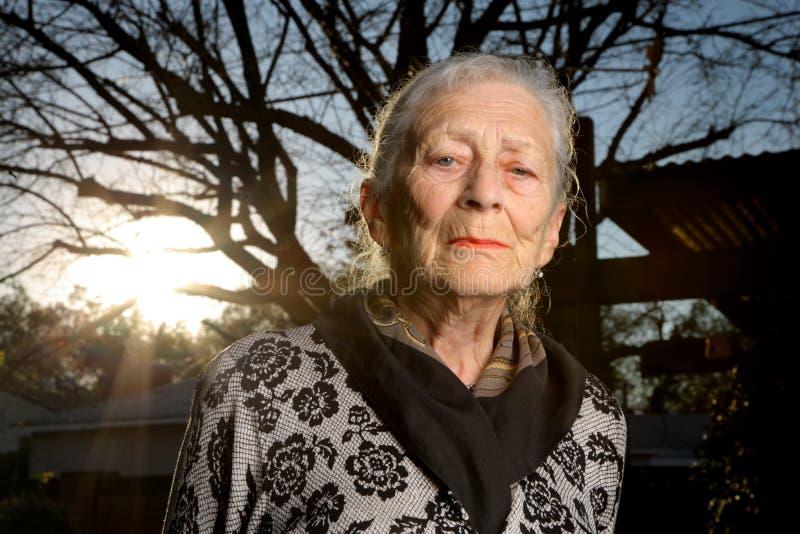 Retrato de la mujer mayor fotografía de archivo libre de regalías
