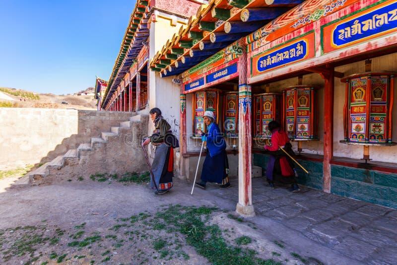 Retrato de la mujer tibetana fotografía de archivo libre de regalías