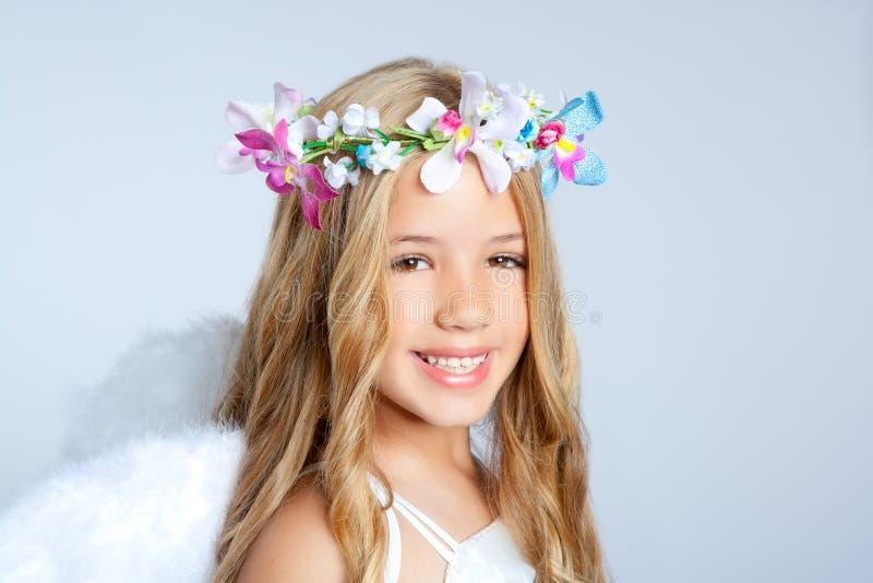 Retrato de la niña de los niños del ángel fotografía de archivo libre de regalías
