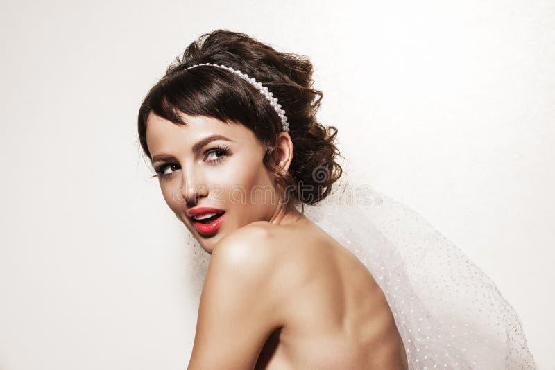 Retrato de la novia magnífica joven imagen de archivo