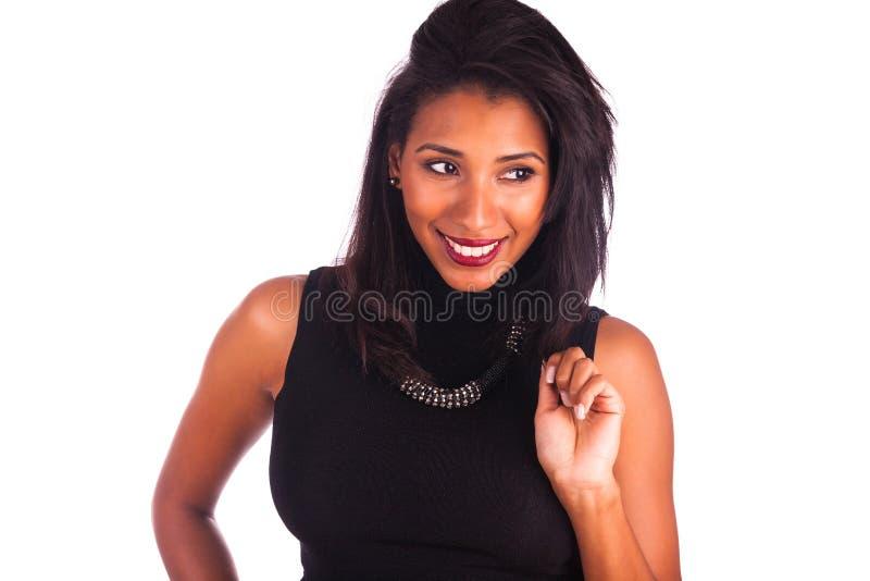 Retrato de la sonrisa africana joven de la mujer foto de archivo libre de regalías