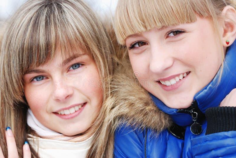 Retrato de las chicas jóvenes fotografía de archivo libre de regalías