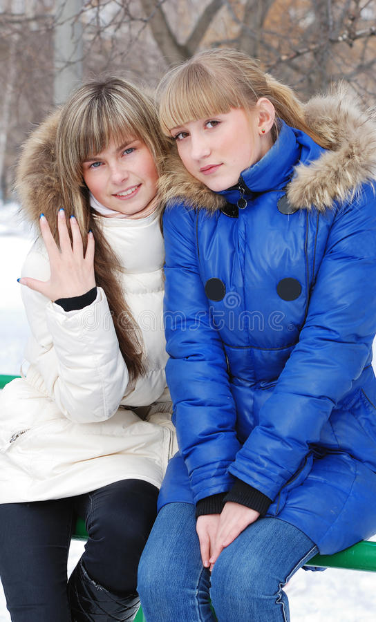 Retrato de las chicas jóvenes imagen de archivo libre de regalías