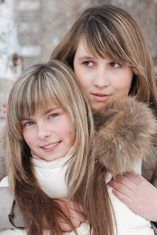 Retrato de las chicas jóvenes fotos de archivo