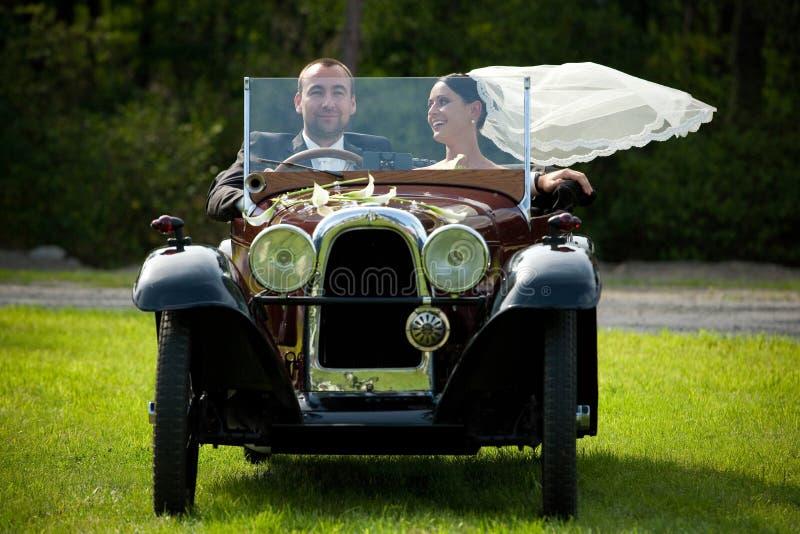 Retrato de los pares de la boda fotografía de archivo