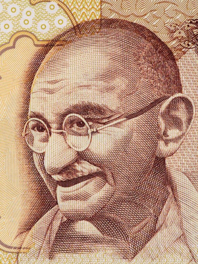 Retrato de Mahatma Gandhi en indio macro del billete de banco de 500 rupias, Indi imagenes de archivo