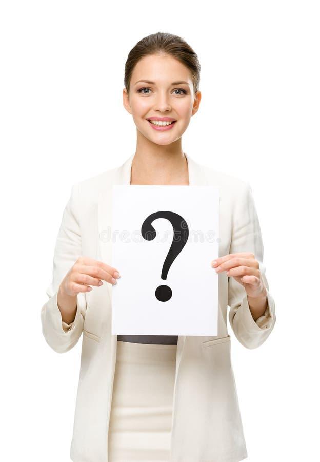 Retrato de medio cuerpo de la mujer de negocios con el signo de interrogación imagen de archivo