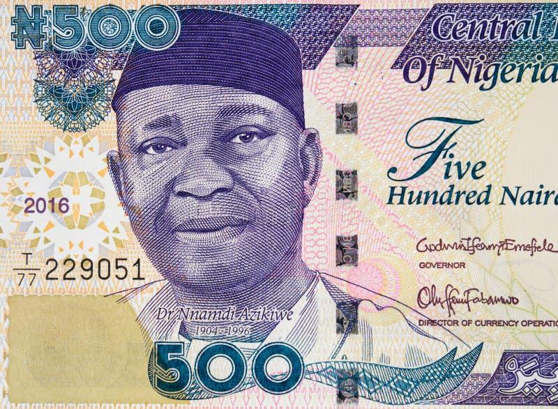 Retrato de Nnamdi Azikiwe no Nigerian cl 2016 da cédula de 500 nairas imagens de stock