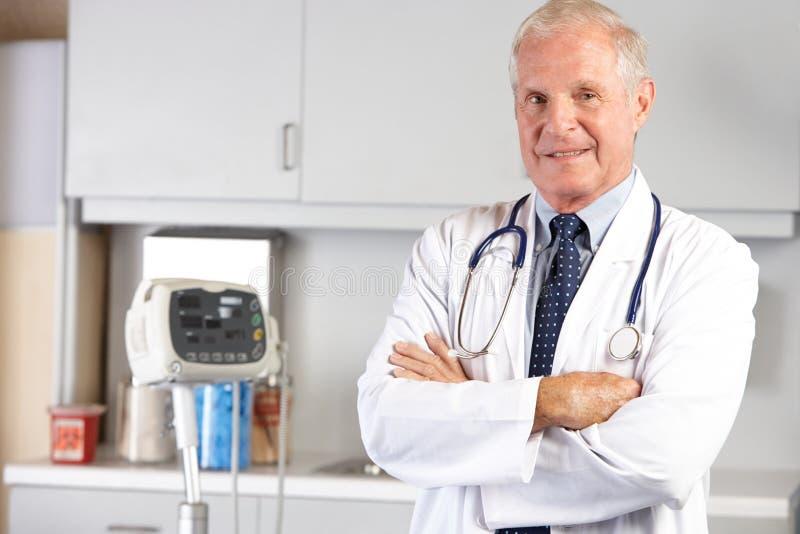 Retrato de Office del doctor In el doctor fotografía de archivo