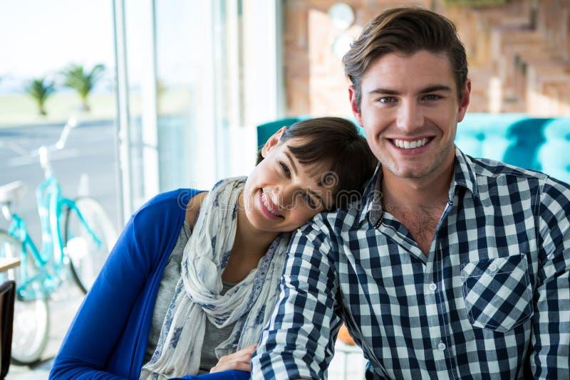 Retrato de pares románticos imagen de archivo