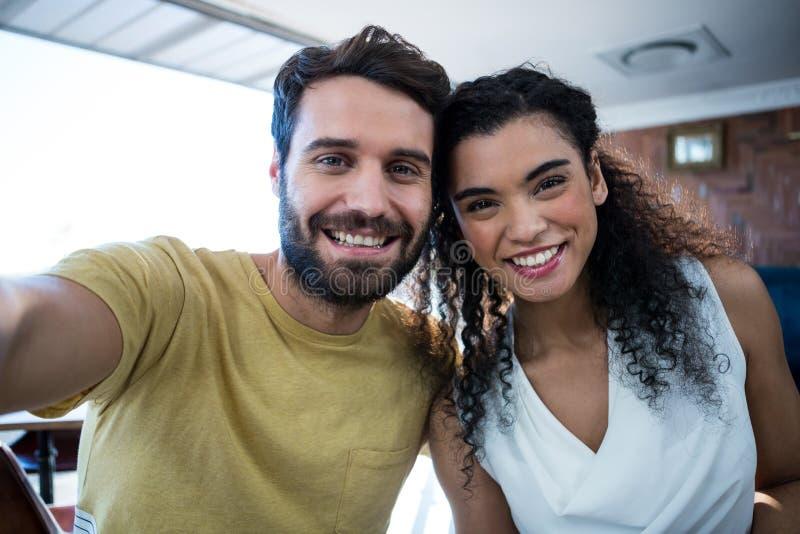 Retrato de pares românticos fotografia de stock royalty free