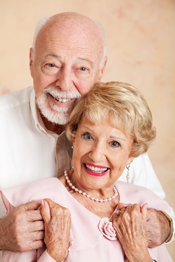 Retrato de pares superiores felizes fotografia de stock