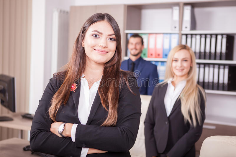 Retrato de pessoas do negócio no escritório imagem de stock royalty free