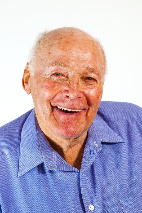 Retrato de rir o homem idoso feliz imagens de stock royalty free