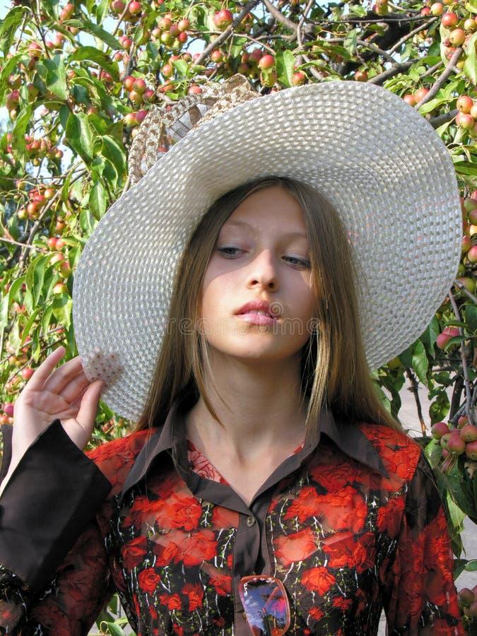 Retrato de sonhar o adolescente foto de stock royalty free