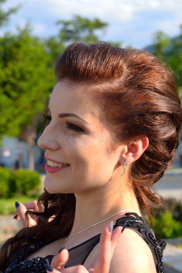 Retrato de sorriso agradável da menina imagem de stock royalty free