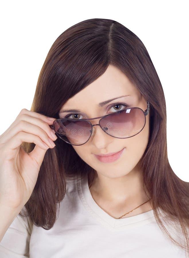 Retrato de sunglas vestindo da mulher 'sexy', nova, bonita imagens de stock