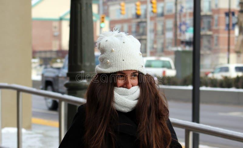 Retrato de um adolescente bonito em Detroit imagens de stock