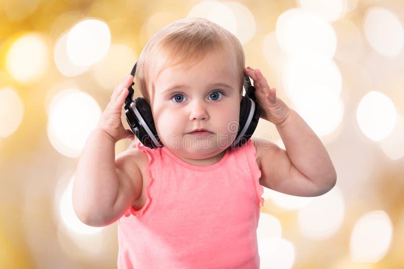 Retrato de um bebé bonito fotografia de stock