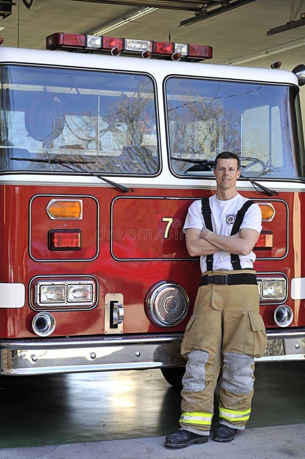 Retrato de um bombeiro fotografia de stock