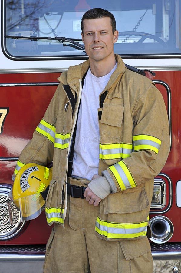 Retrato de um bombeiro imagem de stock royalty free