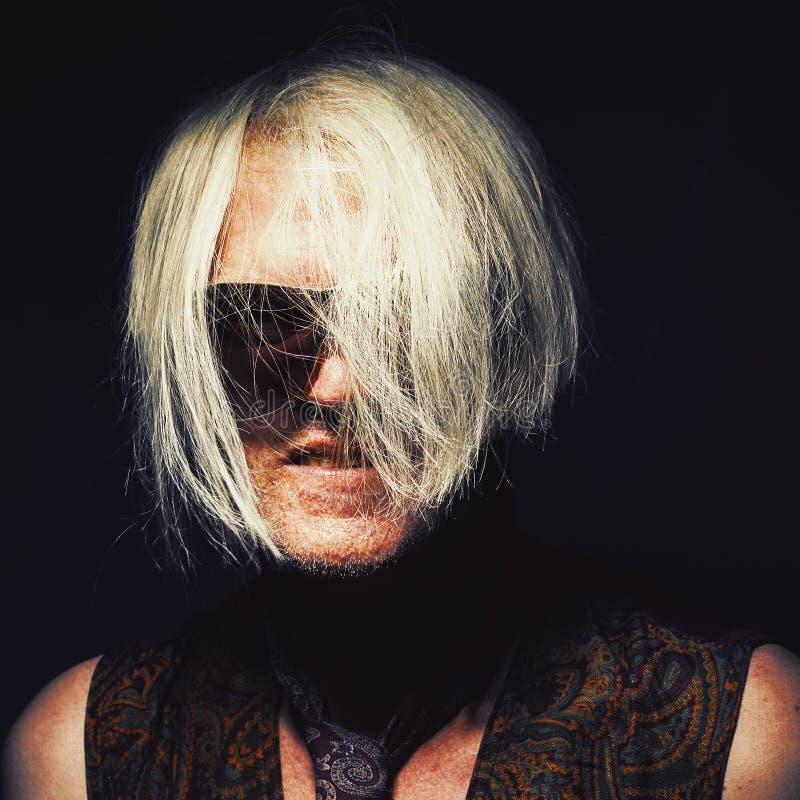 Retrato de um Clubber envelhecido meio fotografia de stock