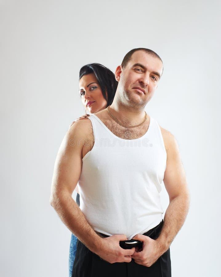 Retrato de um gângster com sua mulher imagens de stock