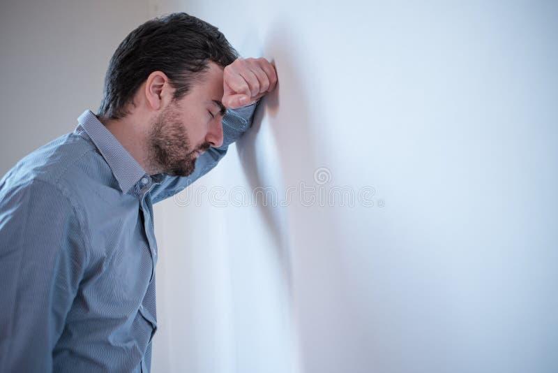 Retrato de um gerente do homem de negócios preocupado foto de stock