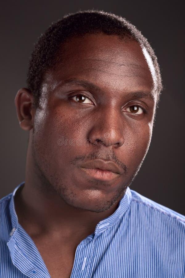 Retrato de um homem africano fotografia de stock