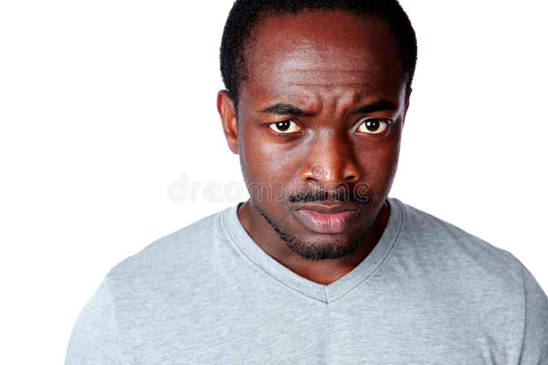 Retrato de um homem africano descontentado fotografia de stock