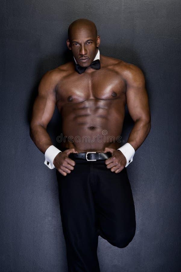 Retrato de um homem afro-americano atlético fotografia de stock royalty free