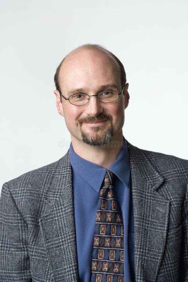 Retrato de um homem calvo imagens de stock