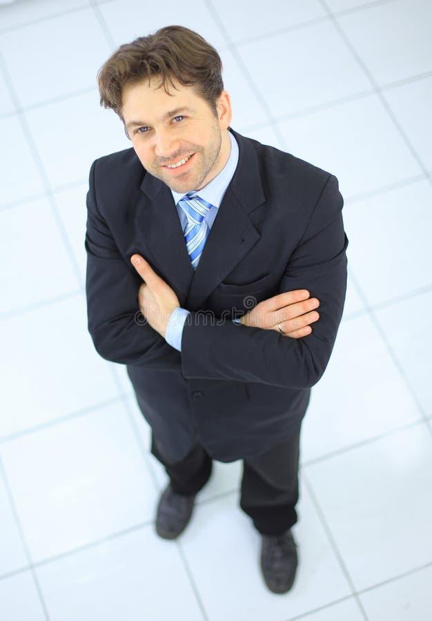 Retrato de um homem de negócio idoso considerável imagens de stock royalty free