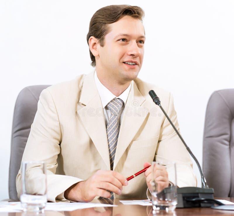 Retrato de um homem de negócios imagens de stock royalty free