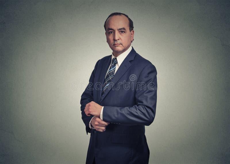 Retrato de um homem de negócios sério fotos de stock