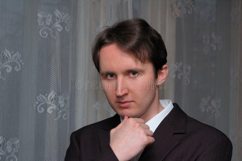 Retrato de um homem engra?ado novo imagem de stock