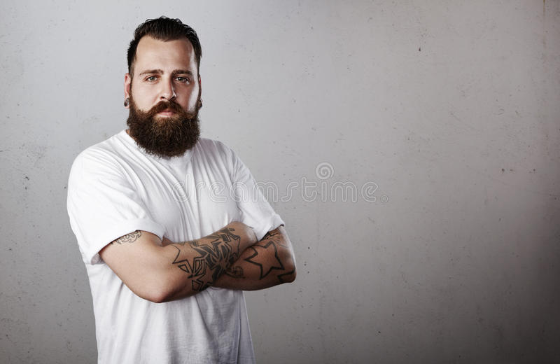 Retrato de um homem farpado fotografia de stock