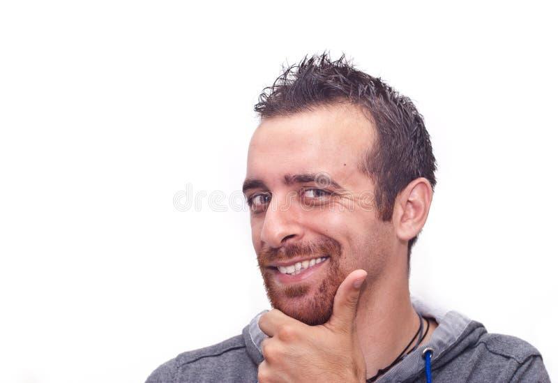 Retrato de um homem novo feliz imagens de stock