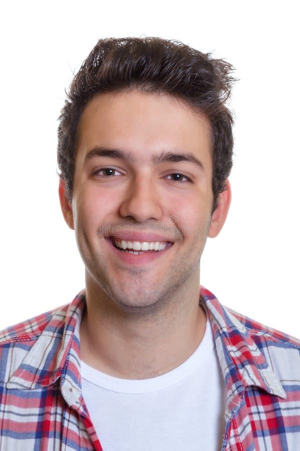 Retrato de um indivíduo latino-americano de riso fotos de stock royalty free